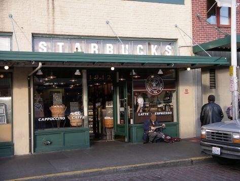 Starbucks_street_musician.jpg